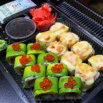 Суши и роллы за последние несколько лет обрели огромную популярность среди любителей заказывать еду на дом