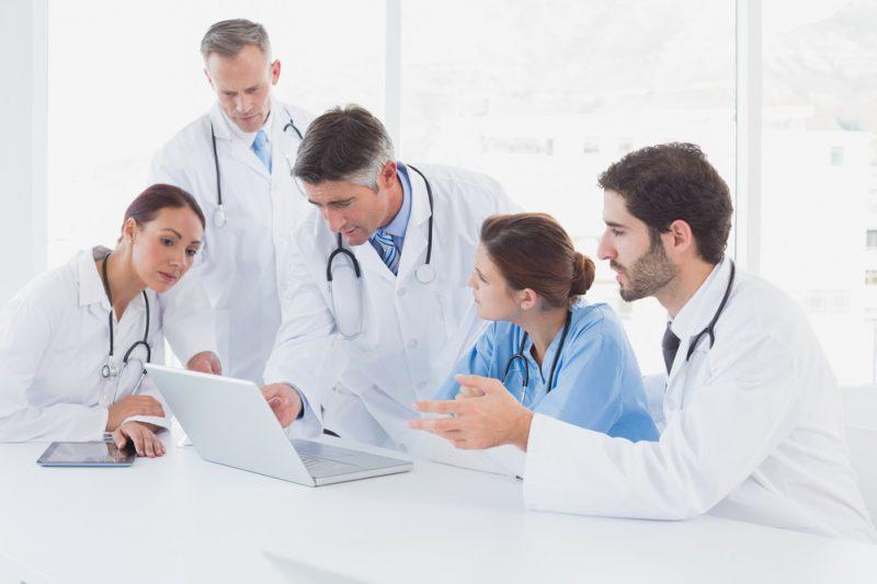Медицинские работникаи