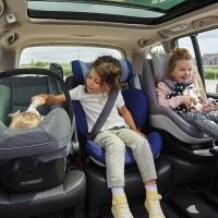 Как правильно перевозить детей в машине