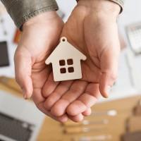 Кто может рассчитывать на бесплатное жильё и где встать на очередь