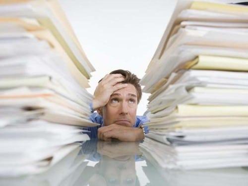 Сдавать отчетность в налоговую инспекцию по месту регистрации