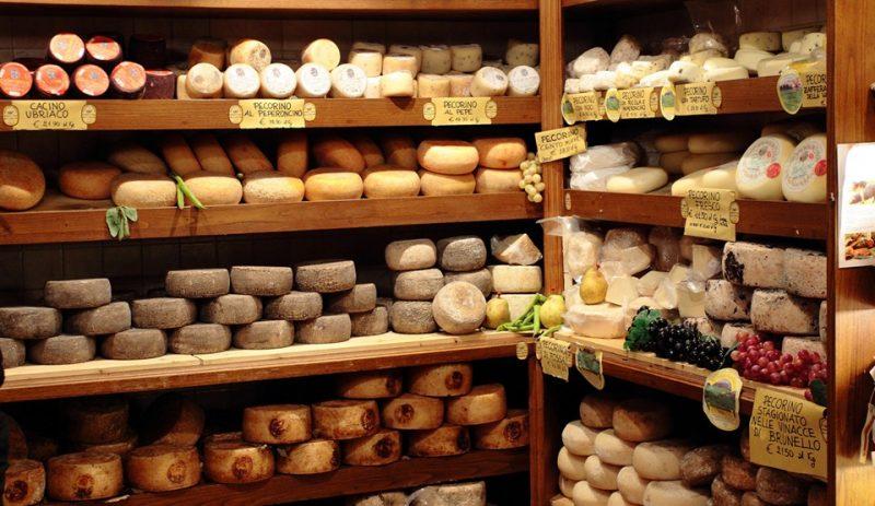 сыр на прилавках
