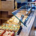 Оригинальные конфеты ручной работы с начинками в разноцветной глазури